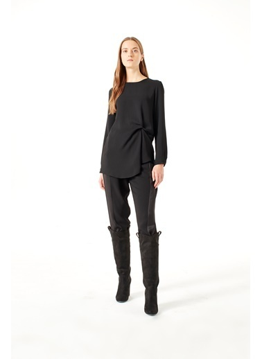 Mizalle Düğüm Detaylı Bluz Siyah